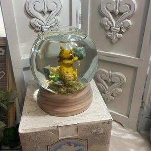 Winnie the Pooh & Piglet with honey pot snow globe